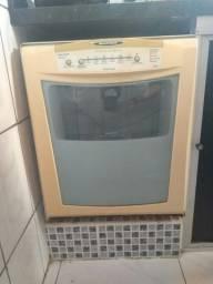 Máquina lava-louças(Brastemp)