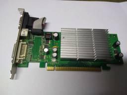 Placa gráfica NVidia GeForce 7200GS