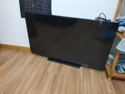 TV Samsung 40 FullHD com defeito na tela (ainda funciona)