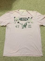 Título do anúncio: Camiseta Makenji Rugby Original Tamanho M Cor Rosa Claro Impecável Zerada Barbada!