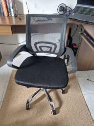 Título do anúncio: Cadeira de escritório prizi semi nova