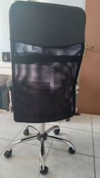 Título do anúncio: Cadeira para escritorio( apenas 7 meses de uso)