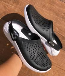 Crocs modelo Novo