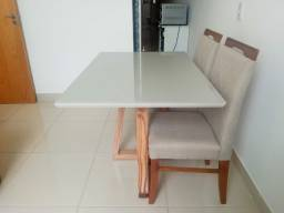 Título do anúncio: Mesa de madeira maciça resistente