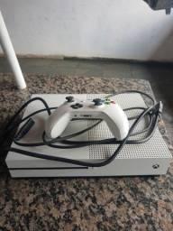 Título do anúncio: Um vídeo game Xbox one S