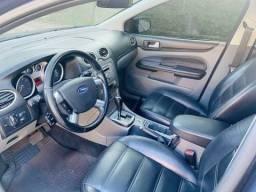 Título do anúncio: Focus ghia, carro top (mais que completo)