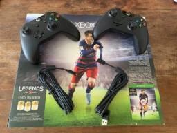 Xbox One 500Gb + 2 controles com baterias recarregáveis originais Microsoft