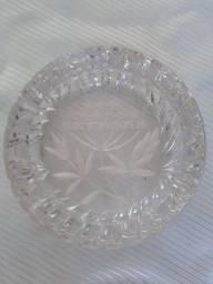 Título do anúncio: Cinzeiros de cristal antigos