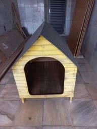 Título do anúncio: Linda casa de madeira para cães porte Labrador