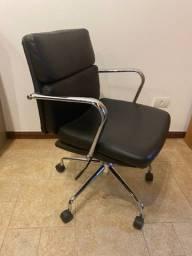 Título do anúncio:  Cadeira de Escritório Tok & Stok Usada