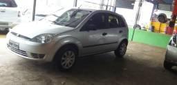 Fiesta 1.6 com ar direção - 2006