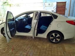 HB20S aut., baixa km, garantia até 2021 - 2015