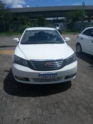 Carro sedan - 2014