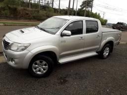 Toyota \ Hilux ( SRV ) 3.0 Diesel 4x4 Aut / Top de Linha / Estudo Troca , Financio - 2012