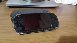 PSP PlayStation Portátil 3000 Sony + Jogo original + Cartão de memória