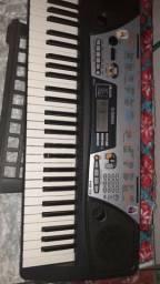 Teclado Yamaha de Cristo varios ritmos