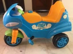 Carrinho/velotro/moto para criança