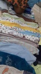Lote de roupas para gemios até 8 meses
