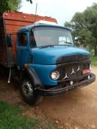 Caminhão boiadeiro 1113