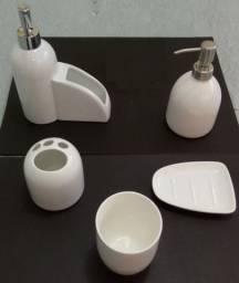 Kit Banho + cozinha em porcelana branca + 06 copos Onda