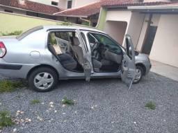 Clio previlege sedan