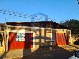 Casa com Barracão nos fundos, Vila Nova Canaã - Goiânia - GO