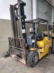Empilhadeira  TCM. 2.5 ton * PARCELO