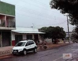 Vende-se casa de alvenaria com 02 salões comercial, Rua Gardênia, 22 - Bairro Centro? Navi