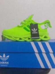 Tênis Adidas 199.00 2 pares avista