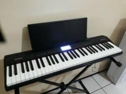 Piano digital Roland novo