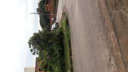 Área 1104m2, Rua asfaltada, luz e água