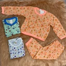 Pijamas NOVOS - infantil