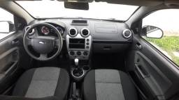 Ford Fiesta SE 1.6 hatch ano:2014 completo