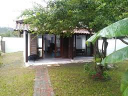 Casa 02 quartos com terreno de 264 m2 - Cidade de Bombinhas SC