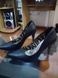 Calçado scarpin viamarte e bota vizano