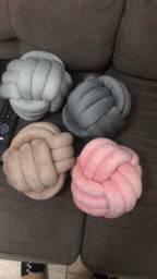 Almofada nó - diversas cores