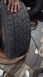 Título do anúncio: Pneus Bridgestone 255/70/16