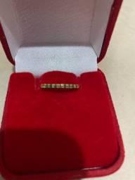 anel de esmeralda em ouro 18k.