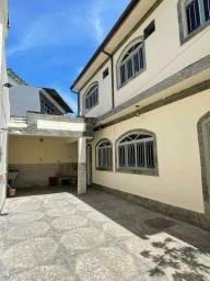 Título do anúncio: Casa em Realengo duplex com 3 quartos, pronta para morar. Próximo ao campo do Periquito.