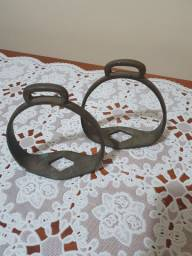 Par de estribo antigo em bronze