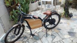 Bicicleta elétrica estilo americana