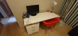Título do anúncio: Escrivaninha e Cadeira de escritório