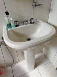 Título do anúncio: Pia banheiro com torneii