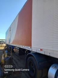 Título do anúncio: Baú 30 paletes 2004 vendo ou troco por caminhão pequeno baú