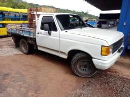 Título do anúncio: Vendo F 1000 1994 a diesel  com grade para carregar gado