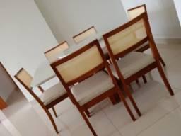 Título do anúncio: Mesa de jantar madeira e acabamento laka luxo