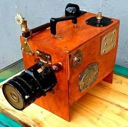 Réplica artística de antiga Câmera Fotográfica