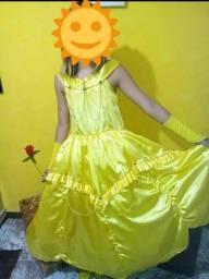 Vestido de princesa. ler descrição