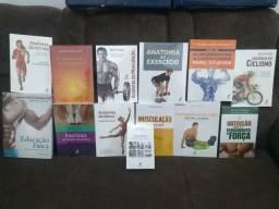 Coleção com 13 livros na área da saúde.