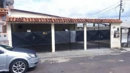 São Jorge: 02 quartos reformado garagem coberta pintura nova por 900 reais Térreo